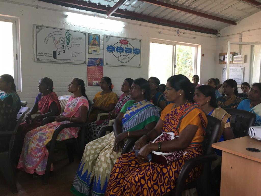 Saumil presenting to 30 women entrepreneurs from rural villages around Madurai who are interested in growing spirulina.